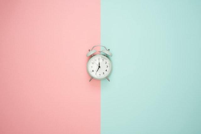 根據用戶活躍時間段投放