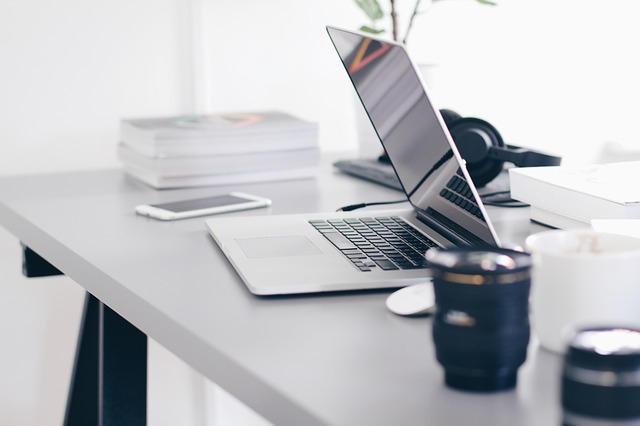 优量传媒-百度开户正规户和返点户有什么区别?哪个比较,优量传媒