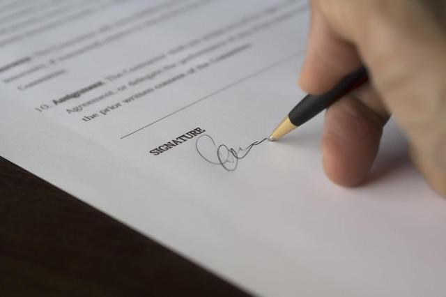 签订广告协议